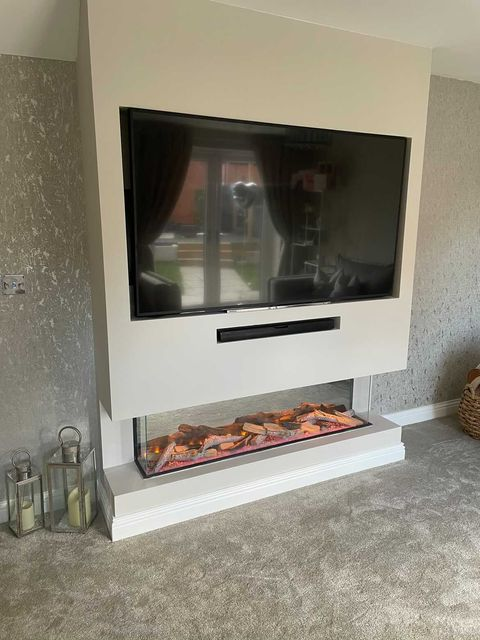 Celsi Electriflame VR 1400 media wall fireplace